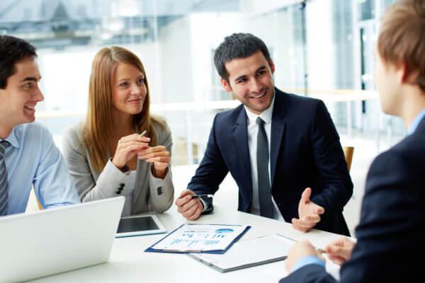apprendre l'anglais des affaires en ligne avec des cours par Skype
