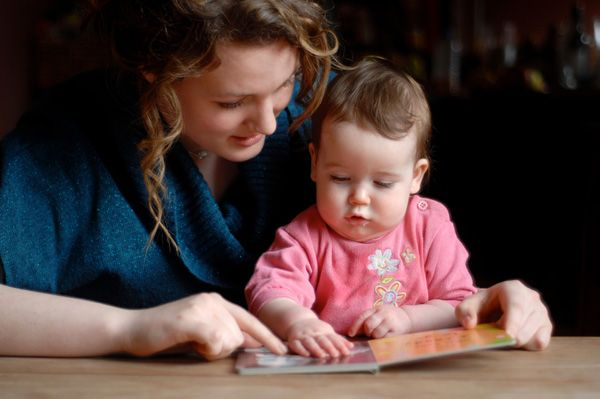 Beneficial Ways to Introduce Babies to English Learning